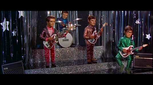 ThunderbirdsAreGo-SwingingStar02.jpg